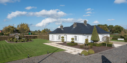 Prachtige villa met imposante tuin