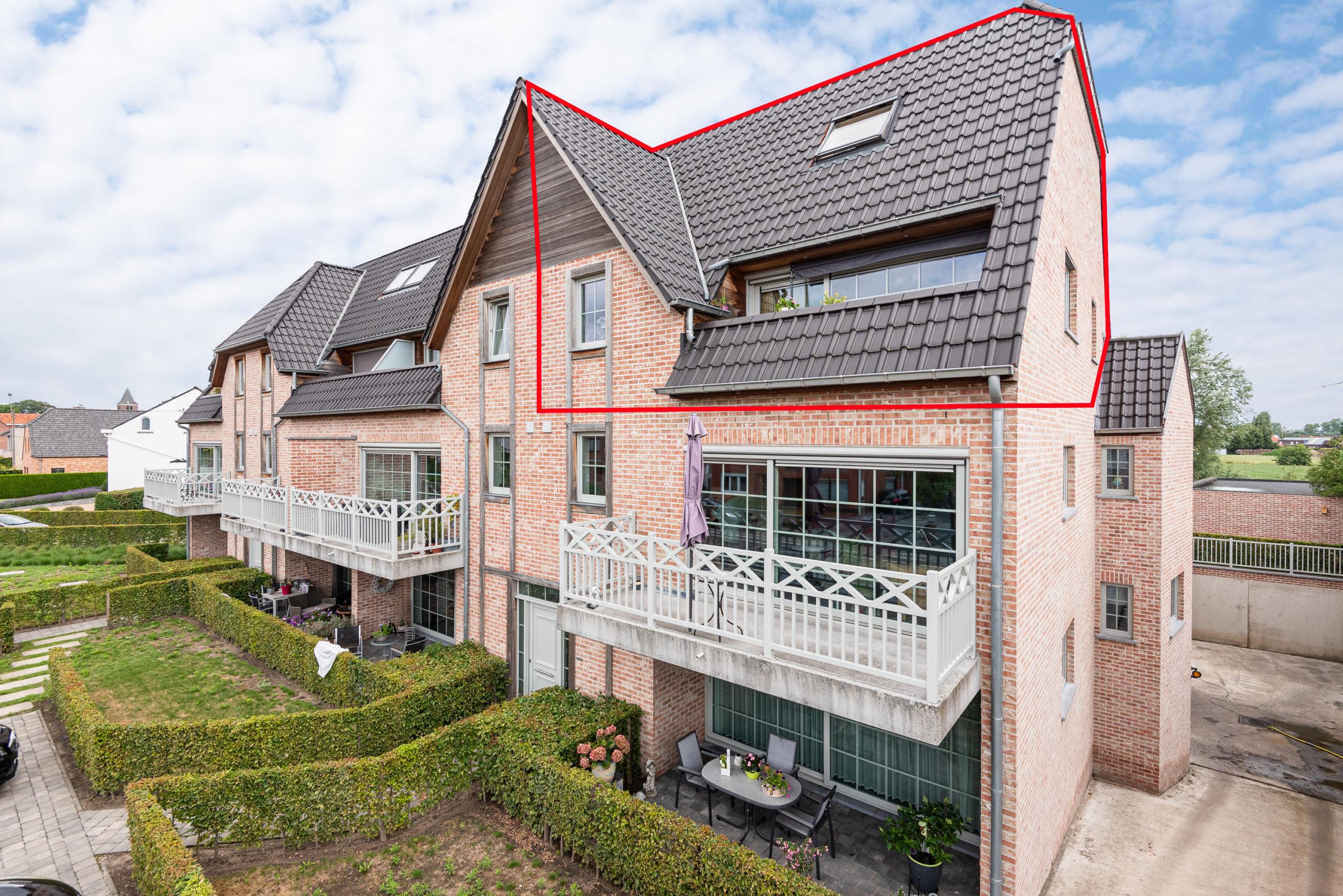 Lichtrijk duplexappartement met 2 slaapkamers